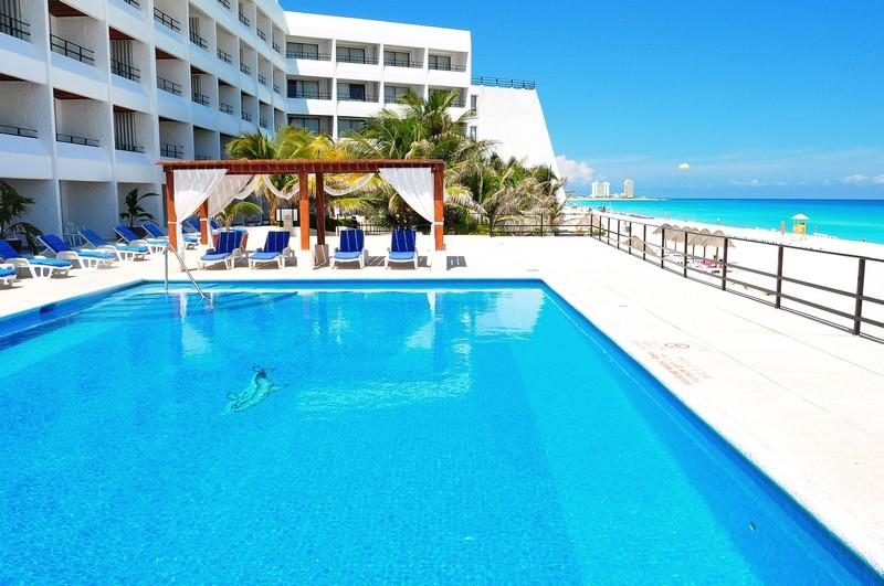 Hotel Flamingo Cancun Resort Travel By Bob