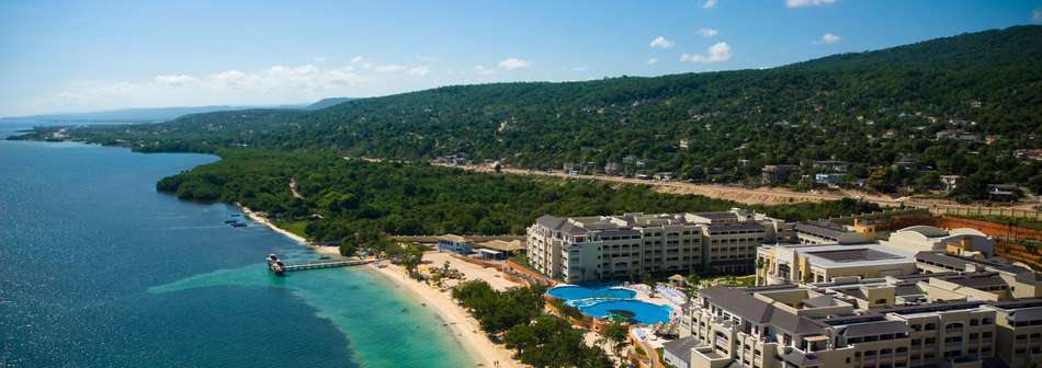 For Ed Rates And Vacation Packages To The Iberostar Rose Hall Beach In Montego Bay Jamaica Call Our Offices Toll Free At1 866 504 6180 Or Use