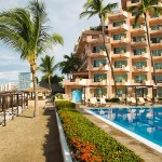 Crown Paradise Club Puerto Vallarta All Inclusive Package | Travel By Bob