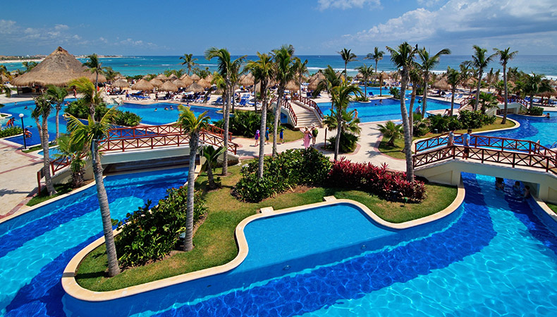 All inclusive resorts hotels in riviera maya travel by bob for Luxury all inclusive resorts for families
