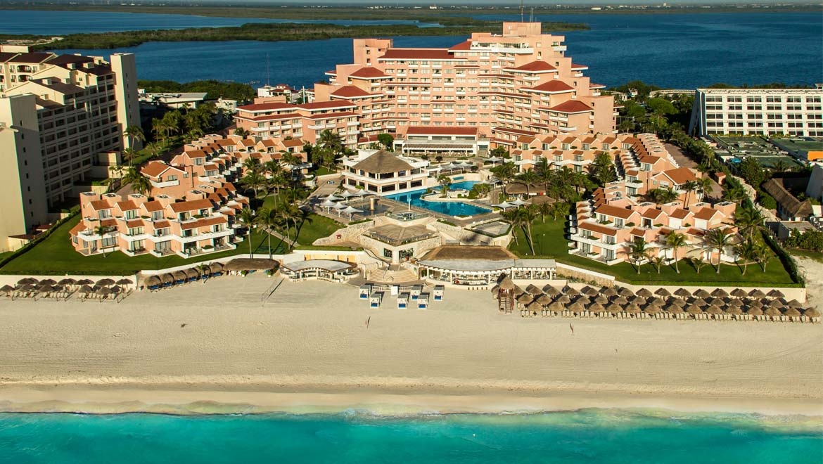 Omni cancun hotel villas travel by bob for Top rated mexico all inclusive resorts