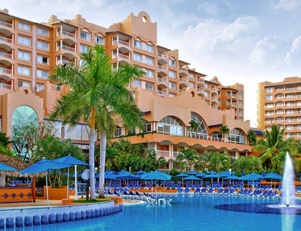 Azul Ixtapa Beach Resort