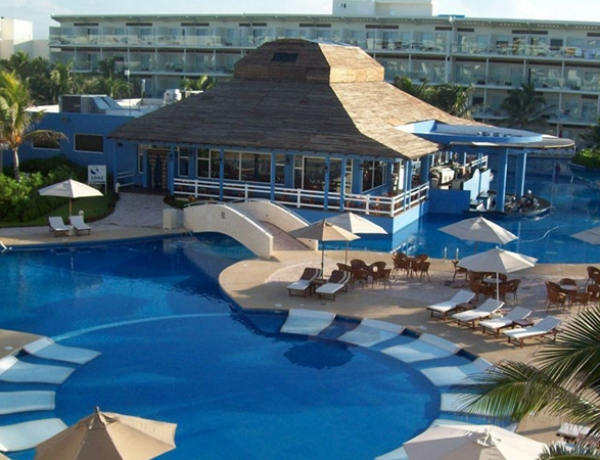 Azul Sensatori Resort